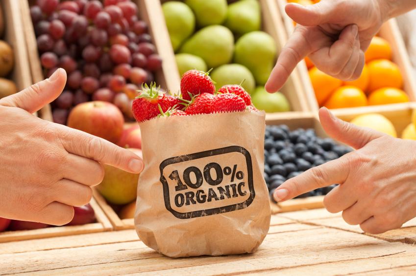 Warum du statt industriell verarbeiteten Nahrungsmitteln unbedingt frische und natürliche Lebensmittel essen solltest