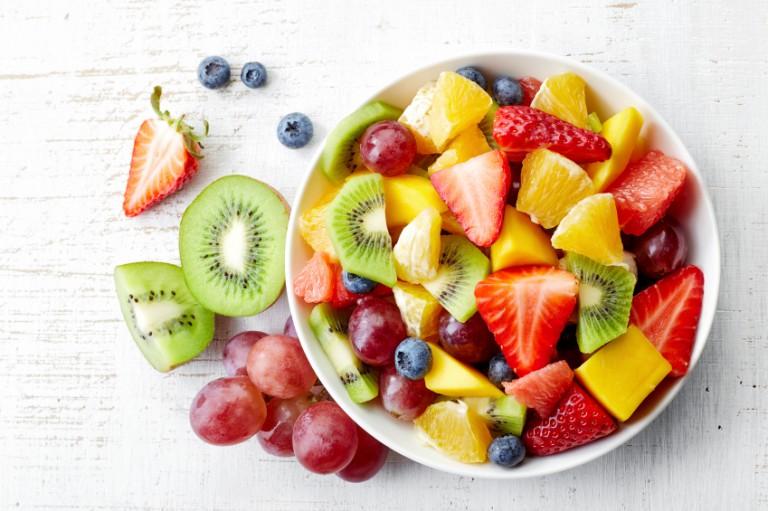 Gesunde und einfache 15-Minuten-Gerichte: Obstsalat-Rezept