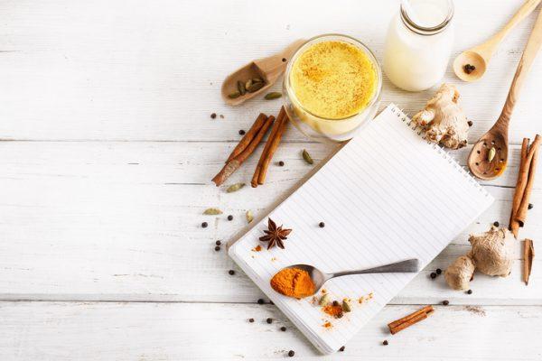Schnelle gesunde Rezepte: Goldene-Milch-Rezept