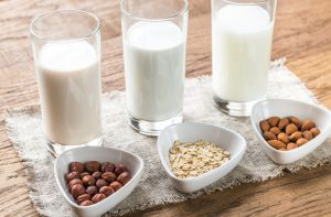 Schnelle gesunde Rezepte: Mandelmilch selber machen