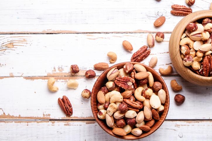 Schnelle gesunde Rezepte: Nüsse selber rösten