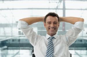 Darstellung einer Übung zur schnellen Entspannung mit minimalem Aufwand